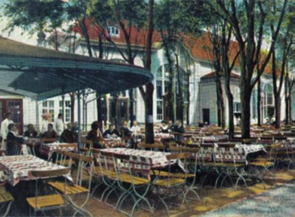 Ausschank und Biergarten der Bötzow Brauerei, historische Aufnahme