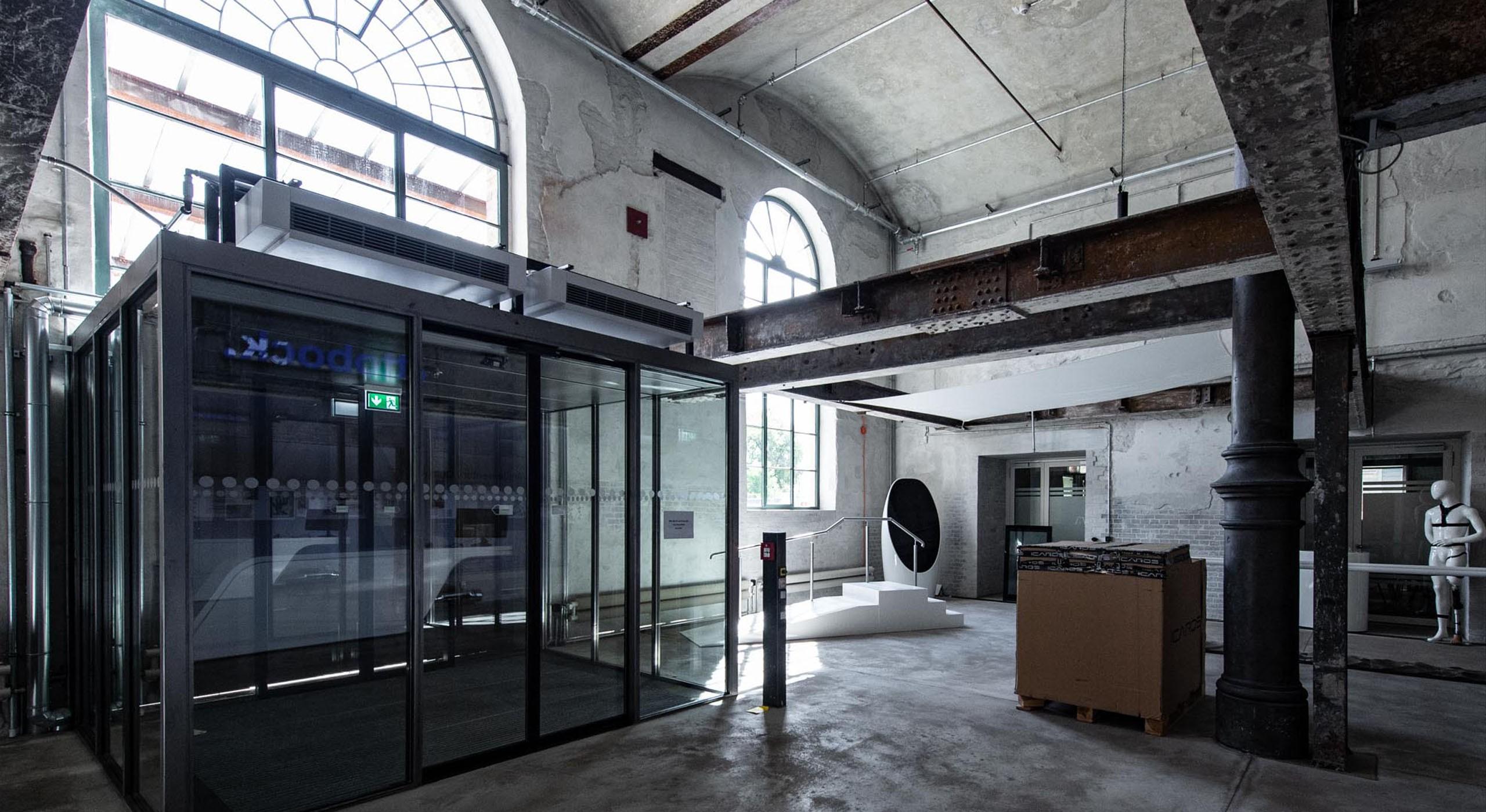 sanierter Eingangsbereich alte Bötzow-Brauerer Berlin © Bernd Blumrich