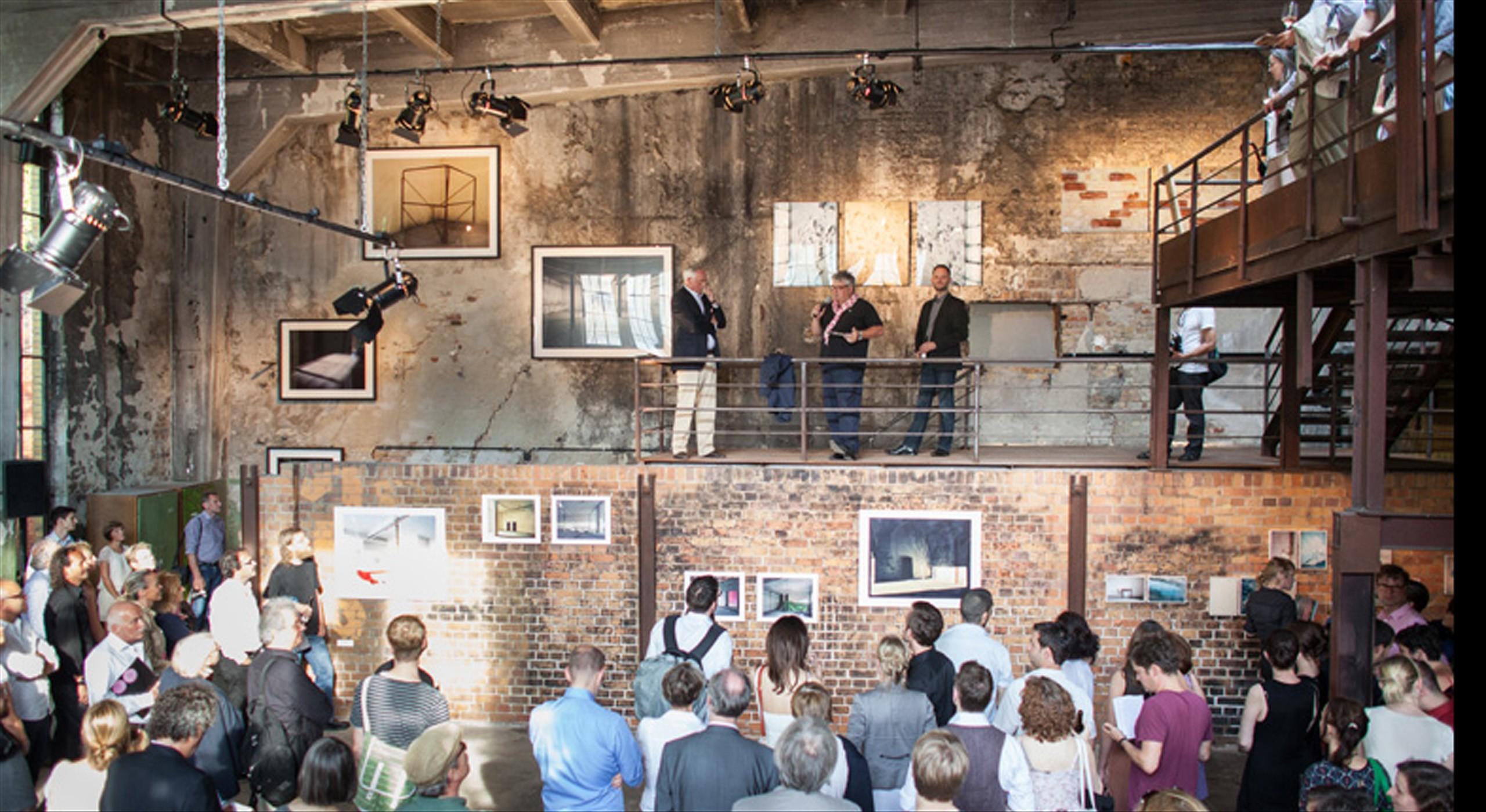 """Professor Hans Georg Näder (HGN) eröffnet die Ausstellung """"Auf Bötzow"""" mit ausgewählten Arbeiten von Götz Diergarten"""