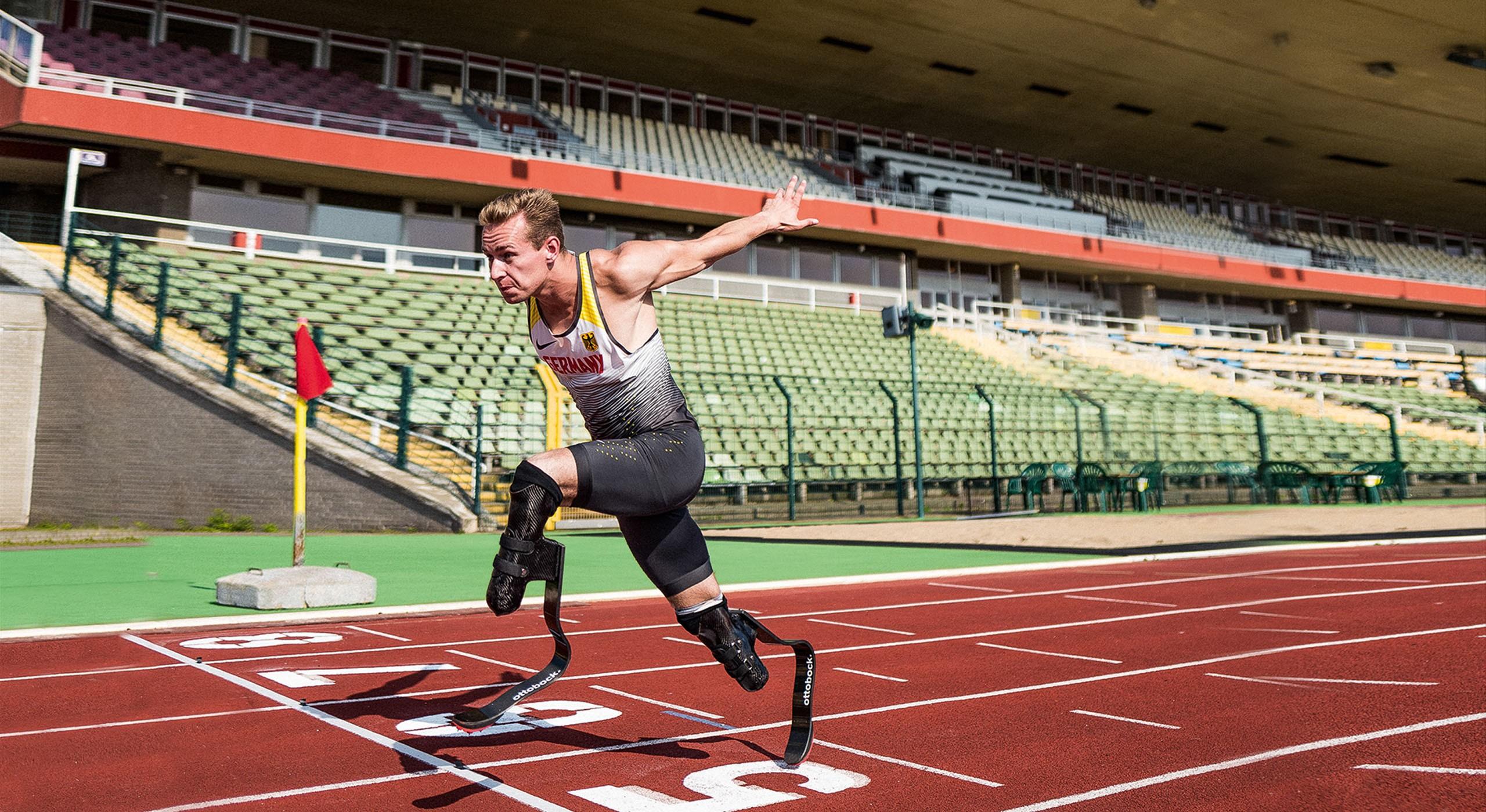 Junger Athlet beim Sprint Paralympics